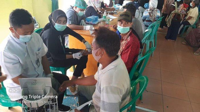 Sebanyak 300 Orang Penerima Bansos PKH Lombok Utara Mulai Divaksin