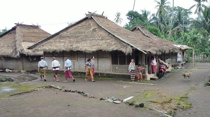 TRADISIONAL: Rumah-rumah tradisional di kampung adat Senaru, Kecamatan Bayan, Lombok Utara.
