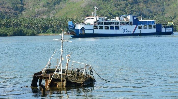 Persaingan Tidak Seimbang, 9 Kapal Feri Tinggalkan Pelabuhan Lembar Lombok Barat