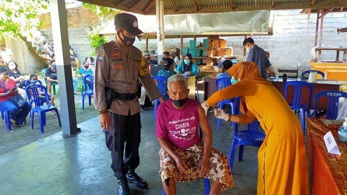 Percepat Vaksin Lansia, Polresta Mataram Kerahkan 40 Personel Batalyon Vaksinator