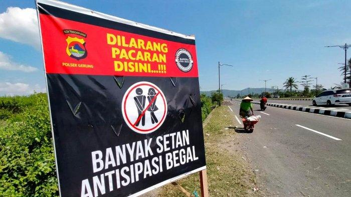 Dilarang Pacaran di Jalur Bypass Bandara Lombok, Awas Ada Setan dan Begal!