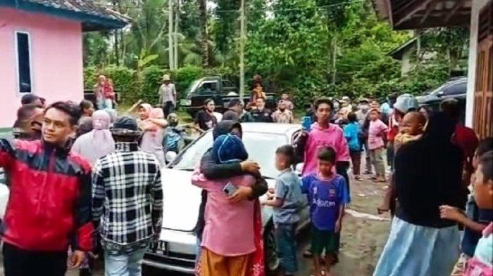 Kepulangan 4 Ibu-ibu Disambut Haru Keluarga, Penahanan Akhirnya Ditangguhkan