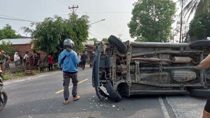 TABRAKAN: Tabrakan beruntun truk tronton dan truk fuso di jalan raya Desa Jurang Jaler, Lombok Tengah, Senin (22/3/2021). (Dok. Polres Lombok Tengah)