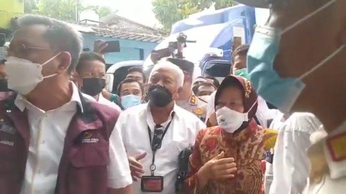 Tangkapan layar saat para pendemo sempat cekcok dengan Menteri Sosial Tri Rismaharini, di Desa Tetebatu, Lombok Timur, Rabu (14/10/2021).