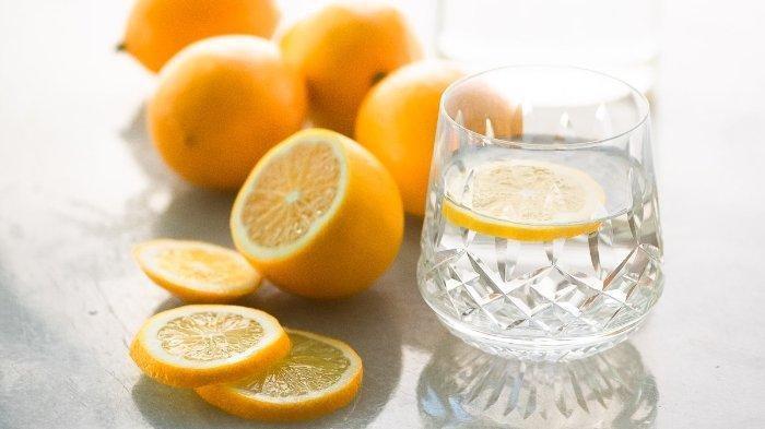 Cara Mudah Atasi Masalah Ketombe dan Rambut Rontok Menggunakan Lemon