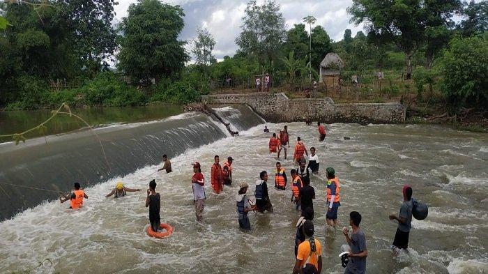 Mandi di Sungai, Pria 40 Tahun di Sumbawa Hilang Terseret Arus