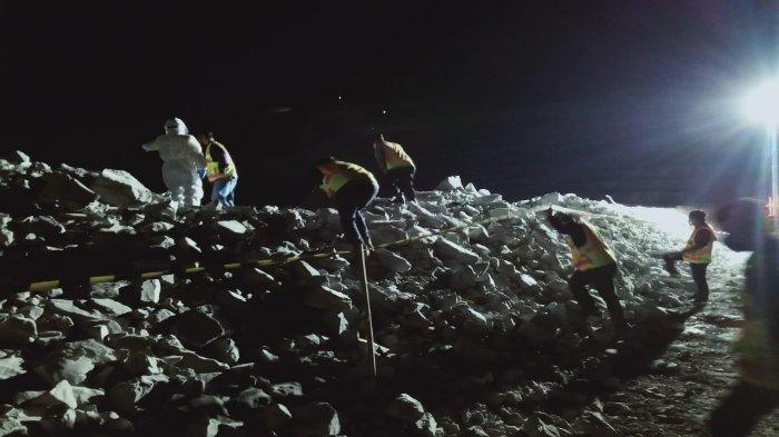 Karyawan PT AMNT Tewas di Lubang Tambang Emas, Jatuh dari Ketinggian 45 Meter