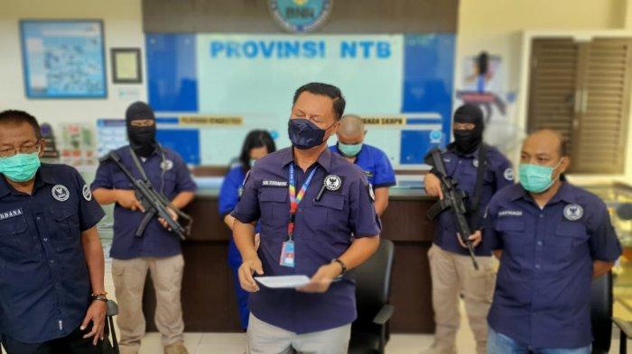 Pasangan Suami Istri Selundupkan 5 Bungkus Sabu Dalam Dubur Ditangkap BNN NTB