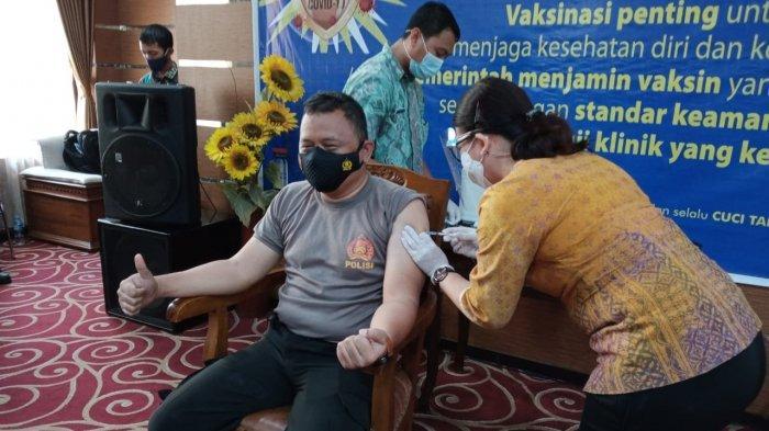 Tidak Ragu Khasiat Vaksin, Kapolresta Mataram Siap Ikut Vaksinasi Kedua