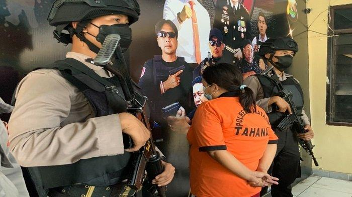 Tujuh Tahun Jualan Togel, Wanita Paruh Baya Ini Akhirnya Diciduk Polresta Mataram