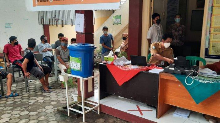 Stok Vaksin Lombok Barat Menipis, Warga Gigit Jari hingga Puskesmas Tutup Layanan Vaksin