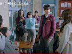 cuplikan-drama-korea-true-beauty-episode-9-su-ho-minta-putus-dari-ju-kyung.jpg