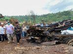 gubernur-ntb-h-zulkieflimansyah-mengunjungi-rumah-warga-yang-terbakar-di-desa-baturotok.jpg