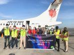 layanan-bandara-petugas-bandara-internasional-lombok-bersama-pilot.jpg