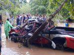 mobil-terseret-arus-ditemukan-ringsek-di-tepi-sungai-sekitar-12-kilimeter-dari-lokasi-kejadian.jpg