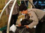 sejumlah-barang-bukti-yang-diamankan-petugas-dari-dalam-kamar-sebuah-hotel-di-kota-kediri.jpg