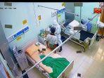 seorang-pasien-covid-19-rsud-kota-mataram-didatangi-petugas-pilkada-kota-mataram.jpg