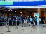 suasana-pelayanan-penumpang-di-bandara-internasional-lombok-senin-28122020.jpg