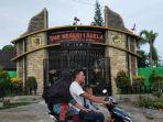 tampak-depan-smpn-1-suela-kabupaten-lombok-timur.jpg