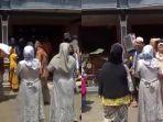 video-rombongan-pengantin-yang-salah-alamat-dan-masuk-ke-rumah-orang-lain.jpg