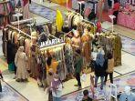 warga-berburu-baju-lebaran-di-lombok-epicentrum-mall.jpg