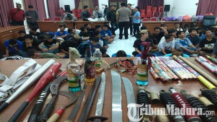 Polisi Amankan 53 Suporter PSIM Jogjakarta Bikin Rusuh, Sita Puluhan Senjata Mematikan & Hewan Lucu