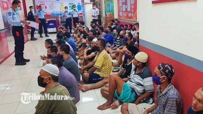 Lapas Narkoba Pamekasan Terima Pemindahan 60 Napi dari Rutan Kelas I Surabaya, Terapkan Prokes Ketat