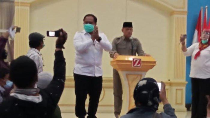 Kepolisian membubarkan Acara Koalisi Aksi Menyelamatkan Indonesia (KAMI) Jatim di Graha Jabal Nur, Surabaya yang juga dihadiri Deklarator KAMI, Gatot Nurmantyo, Senin (28/9/2020).