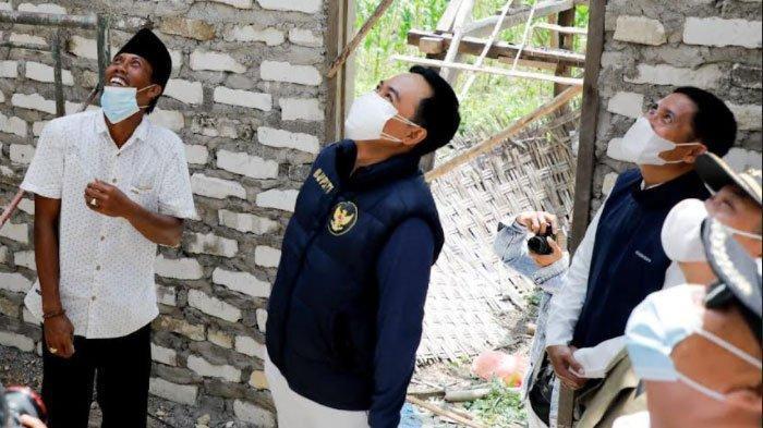 Naik Motor, Bupati Pamekasan Blusukan ke 3 Kecamatan, Pantau Pembangunan Rumah Tidak Layak Huni