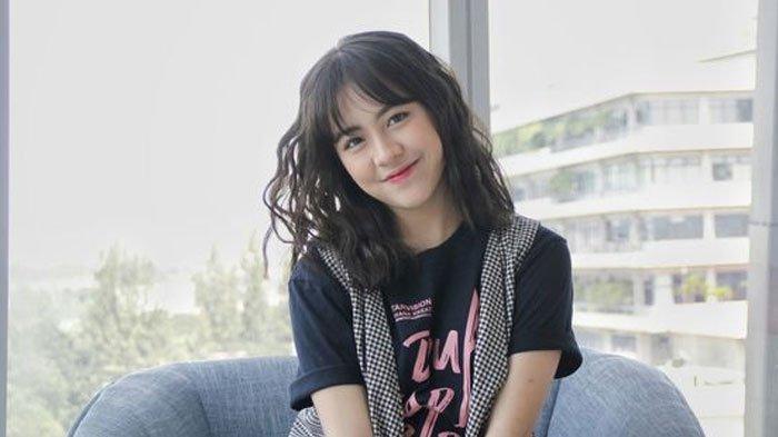 Adhisty Zara 'Dua Garis Biru'Tersandung Video Nakal, Sang Ibu Tanggapi:I'm with Her No Matter What