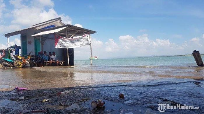 BMKG PrediksiAir Laut Pasang Maksimum Terjadi di Pesisir Pantai Sumenep, Warga Diminta Waspada