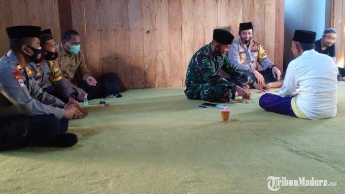 Kapolres Pamekasan Silaturahmi ke Pengasuh Ponpes, Imbau Tokoh Agama Tak Terpengaruh Paham Radikal