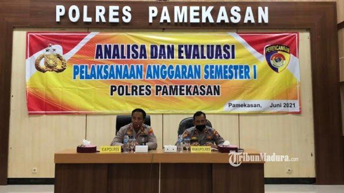 Kapolres Pamekasan AKBP Apip Ginanjar Pimpin Rapat Anev, Bahas Penggunaan Anggaran Semester 1