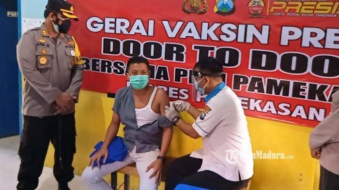 Percepat Herd Immunity, Polres Pamekasan Gelar Vaksinasi Door to Door, Menyasar Aktivis Mahasiswa