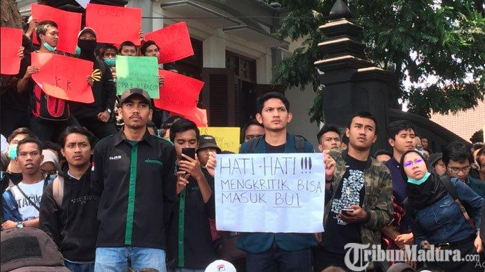 Mahasiswa Diimbau WaspadaPeluang Provokasi saat Gelar Aksi PenolakanRKUHP dan UU KPK di Surabaya