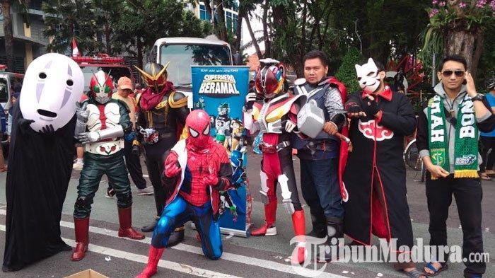 Superhero Beramal Surabaya, Komunitas Sosial Unik dengan Kenakan Kostum Superhero