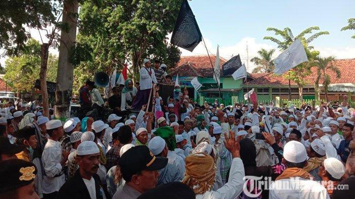 Massa di Pamekasan Gelar Demo Besar-besaran Tuntut Sukmawati Soekarnoputri Ditangkap dan Diadili