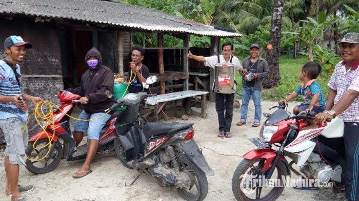 Pemukiman Warga di Pulau Masalembu Sumenep Disemprot Disinfektan untuk CegahPenyebaran Virus Corona