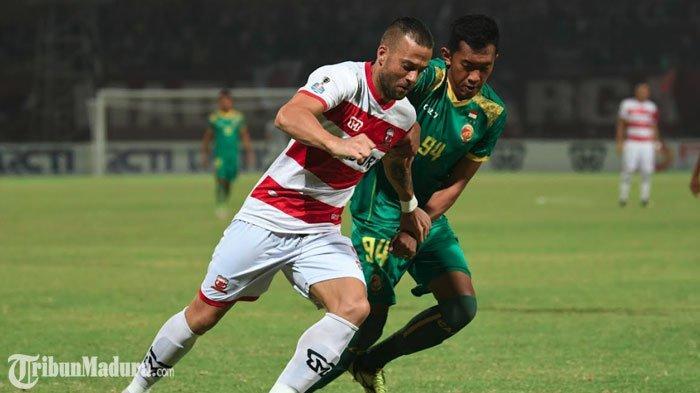 Striker Madura United Rakic Persembahkan Dua Gol untuk Putrinya yang Baru Lahir: Welcome Eleni