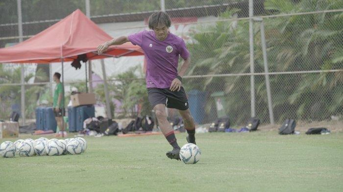Fase Penguatan Usai Jalani Operasi, Bek Madura United Rendika Rama Berpeluang Tampil di Liga 1 2021