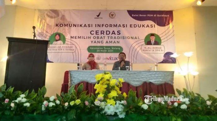 Anggota DPR RI Fraksi PKB, Ali Ahmad saat menghadiri diskusi Komunikasi Edukasi Cerdas Memilih Obat Tradisional yang Aman di Hotel Cakra Turen pada Minggu (28/3/2021).
