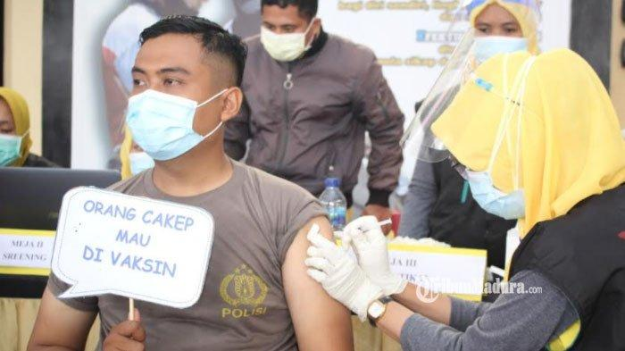 Jumlah Vaksin Covid-19 Tak Mencukupi, Ribuan Nakes di Sampang Terpaksa Divaksin Katagori Multi Dous