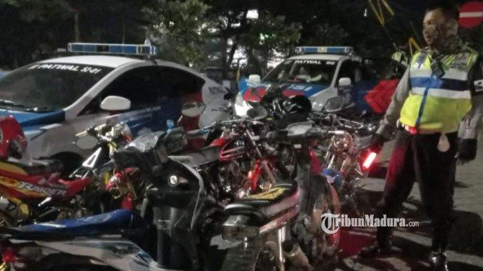 Mengganggu dan Menyebabkan Kecelakaan, Puluhan Kendaraan Berknalpot Brong di Madiun Disita Polisi