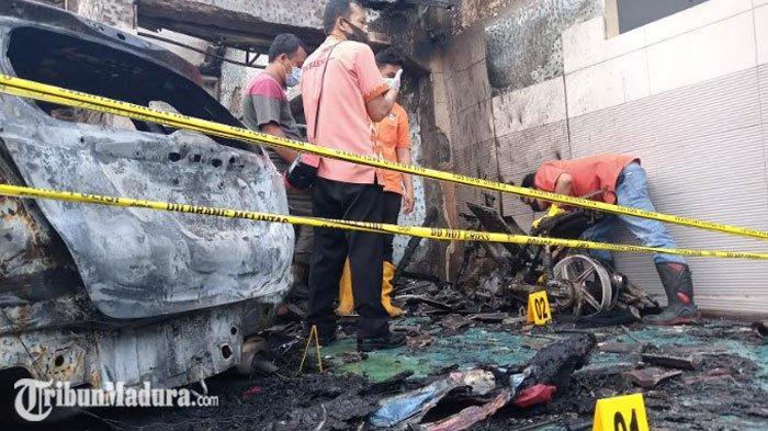 BREAKING NEWS - Rumah Pejabat Tulungagung Kebakaran, ada Ledakan Saat Kebakaran Berlangsung