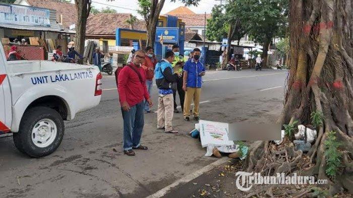 Diduga Hilang Kendali, Pria di Mojokerto Tewas Usai Tabrak Trotoar hingga Jatuh Tersungkur di Jalan
