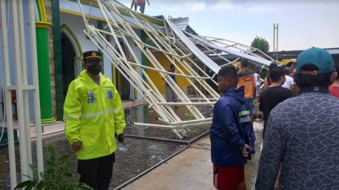 Dua Desa di Kabupaten Sumenep Madura Dihantam Angin Puting Beliung, Tiga Orang Alami Luka-luka