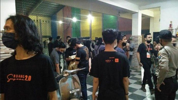Aparat TNI Polri Hentikan Live Music di Kafe Kawasan Kampung Tangguh Covid-19 Socah Bangkalan