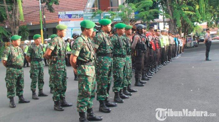 TNI-Polri Gelar Apel Bersama Menjelang Natal dan Tahun Baru, Langsung Patroli Cek Gereja dan Pospam
