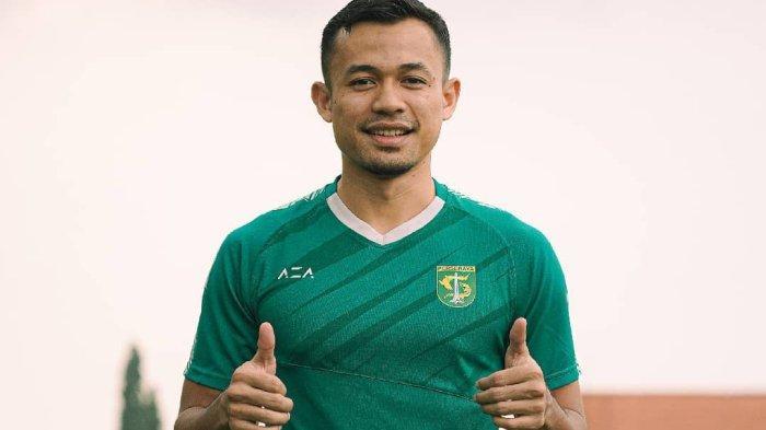 Aji Santoso Akan Tunjuk Arif Satria Sebagai Kapten Saat Hadapi PSIS Semarang, Belum Tentukan Kiper