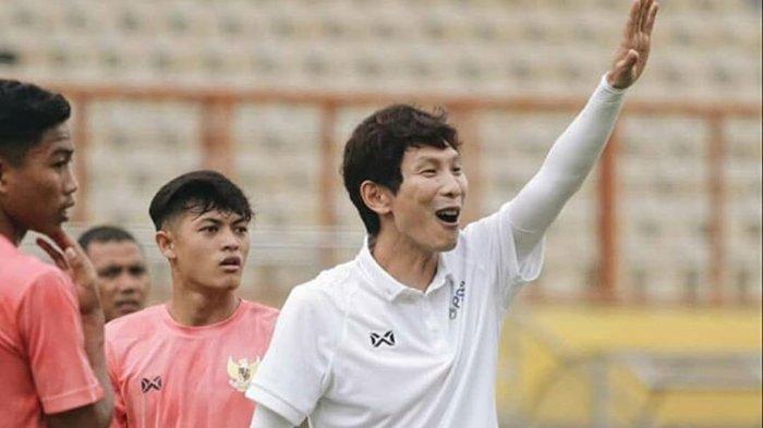 Gong Oh Kyun, Asisten Pelatih Timnas Indonesia Positif Covid-19, Arema FC Beri Doa dan Dukungan